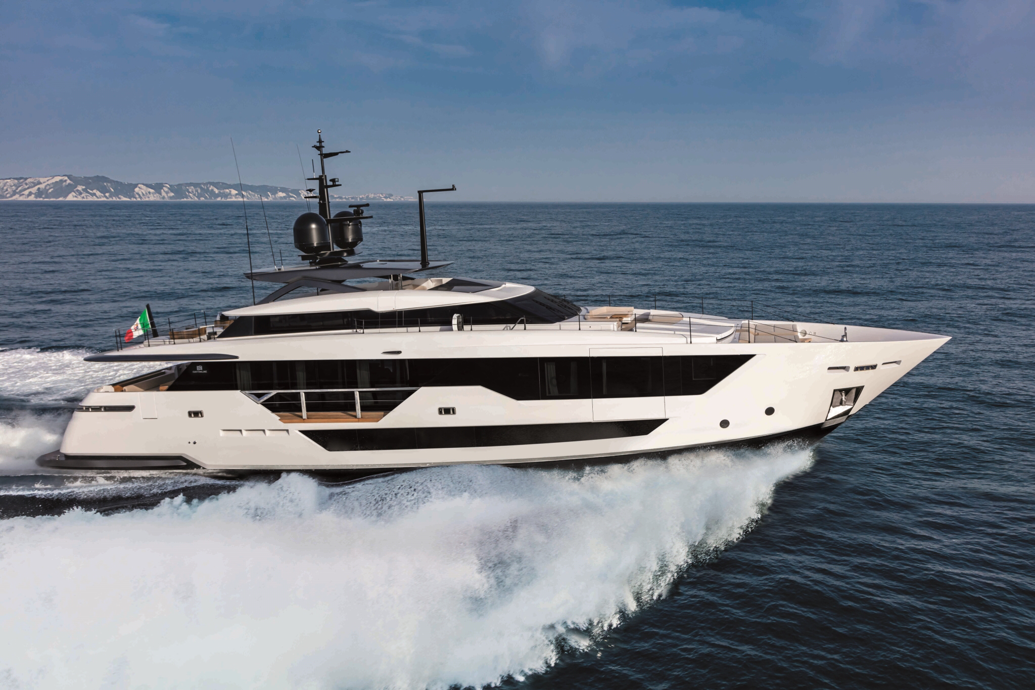 Ferretti Group Custom Line 106'