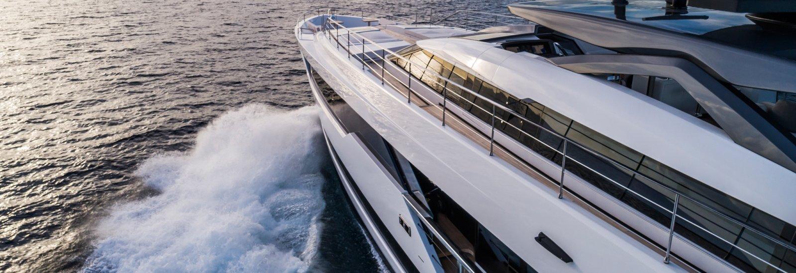 JMA Yachting Port Fréjus Vente Location Bateaux neufs Ferretti Group - Ferretti Yachts et occasions