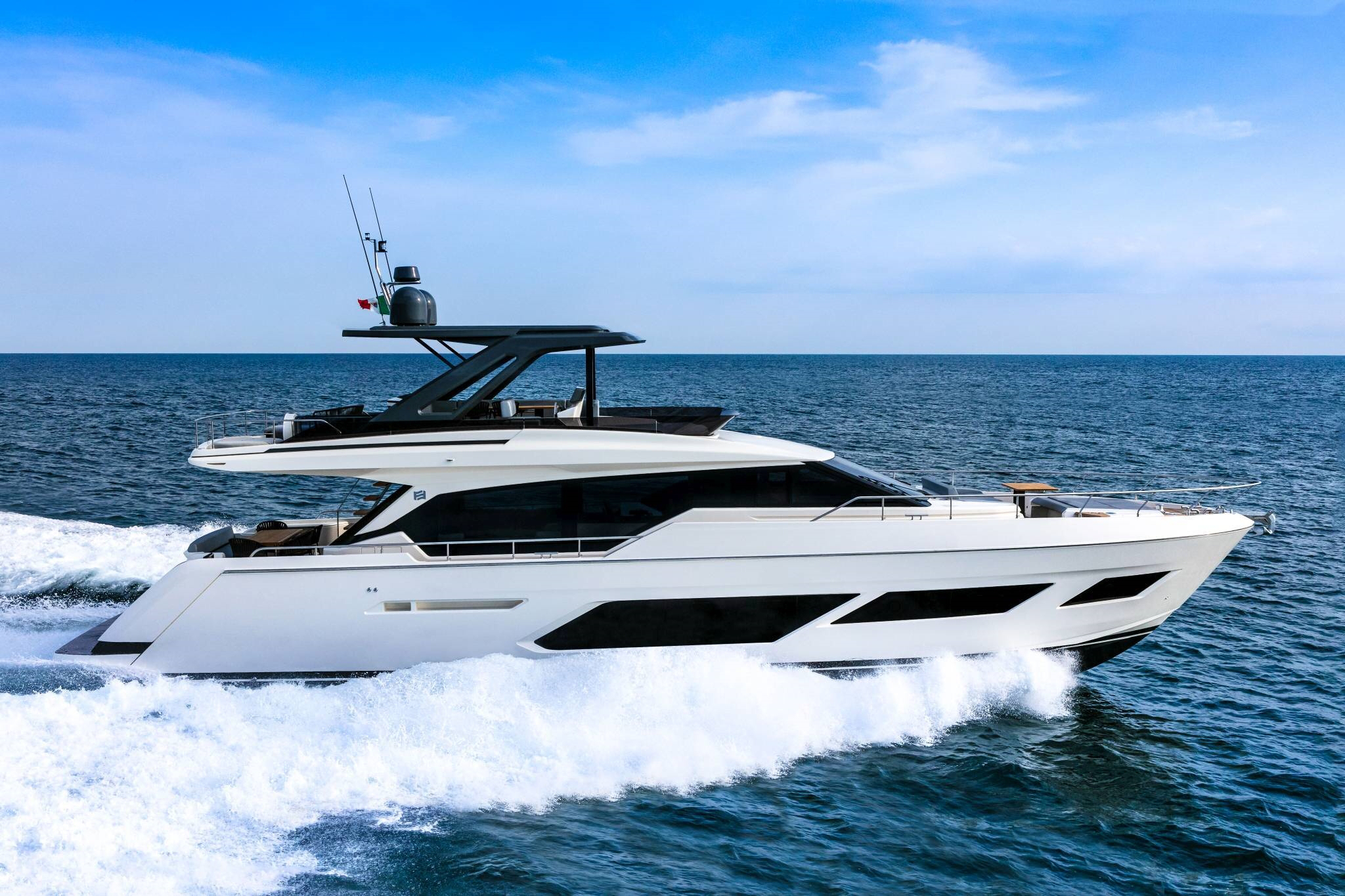 ferretti yachts 720 ferretti group JMA Yachting Port Fréjus Var vente location neuf occasion places de port