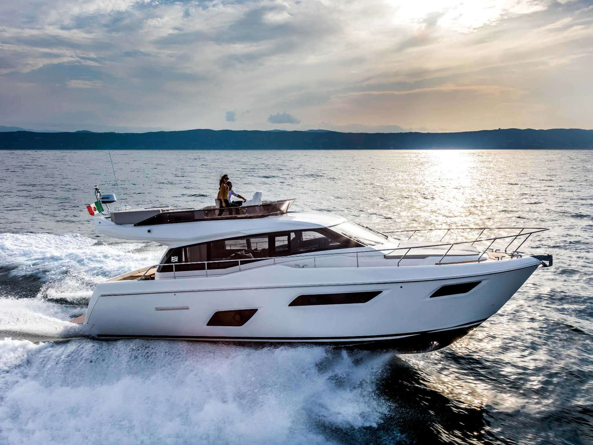 ferretti yachts 450 ferretti group JMA Yachting Port Fréjus Var vente location neuf occasion places de port