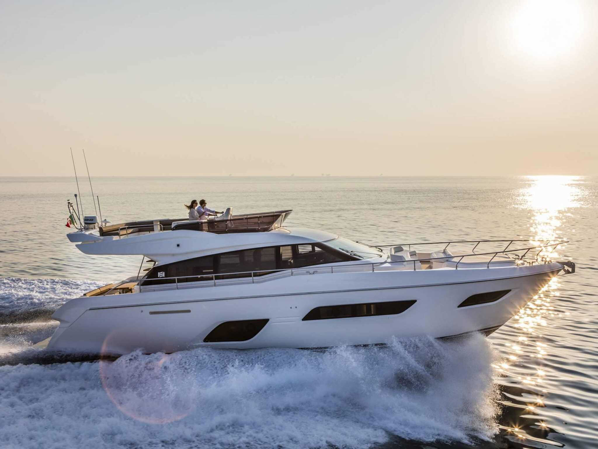 ferretti yachts 550 ferretti group JMA Yachting Port Fréjus Var vente location neuf occasion places de port