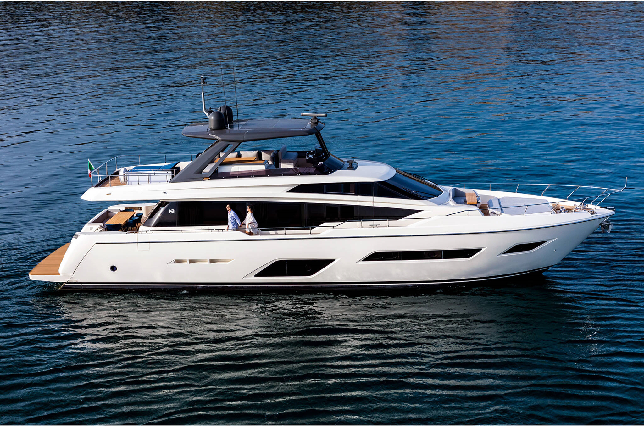 ferretti yachts 780 ferretti group JMA Yachting Port Fréjus Var vente location neuf occasion places de port