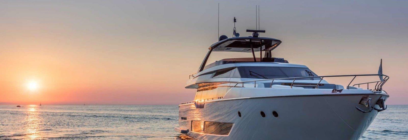 bateaux neufs ferretti group JMA Yachting Port Fréjus Var vente location neuf occasion
