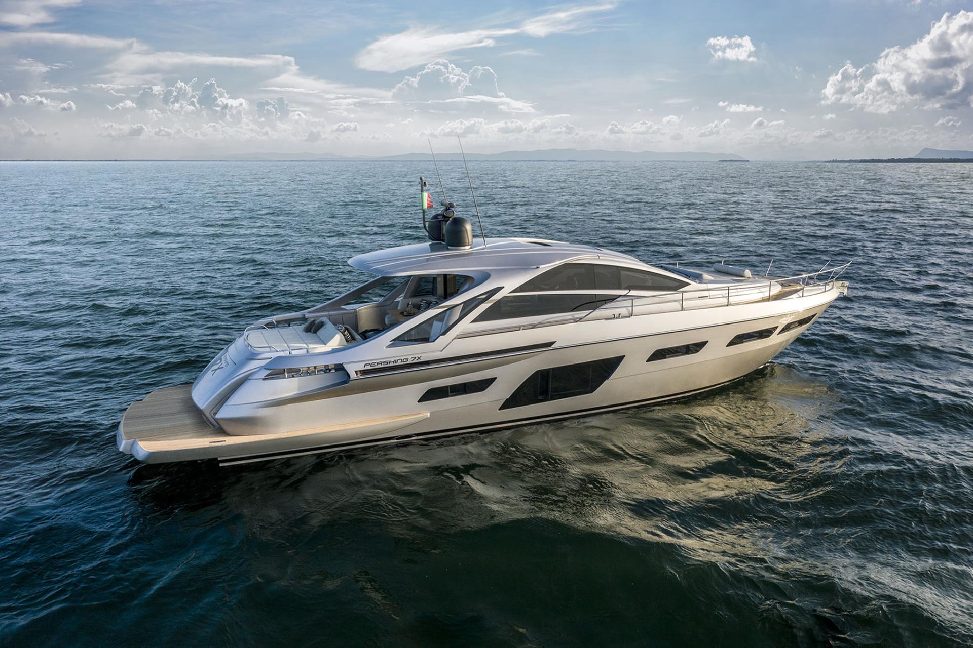 Pershing Yachts 7X