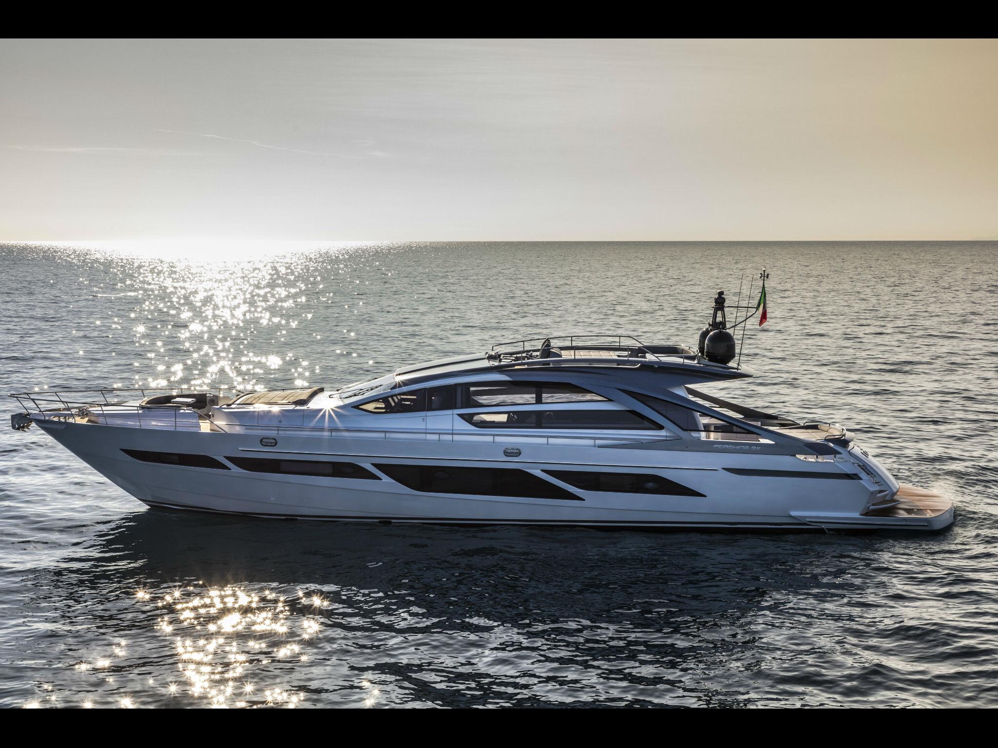 ferretti yachts ferretti group pershing yachts pershing 9X JMA Yachting Port Fréjus Var vente location neuf occasion places de p
