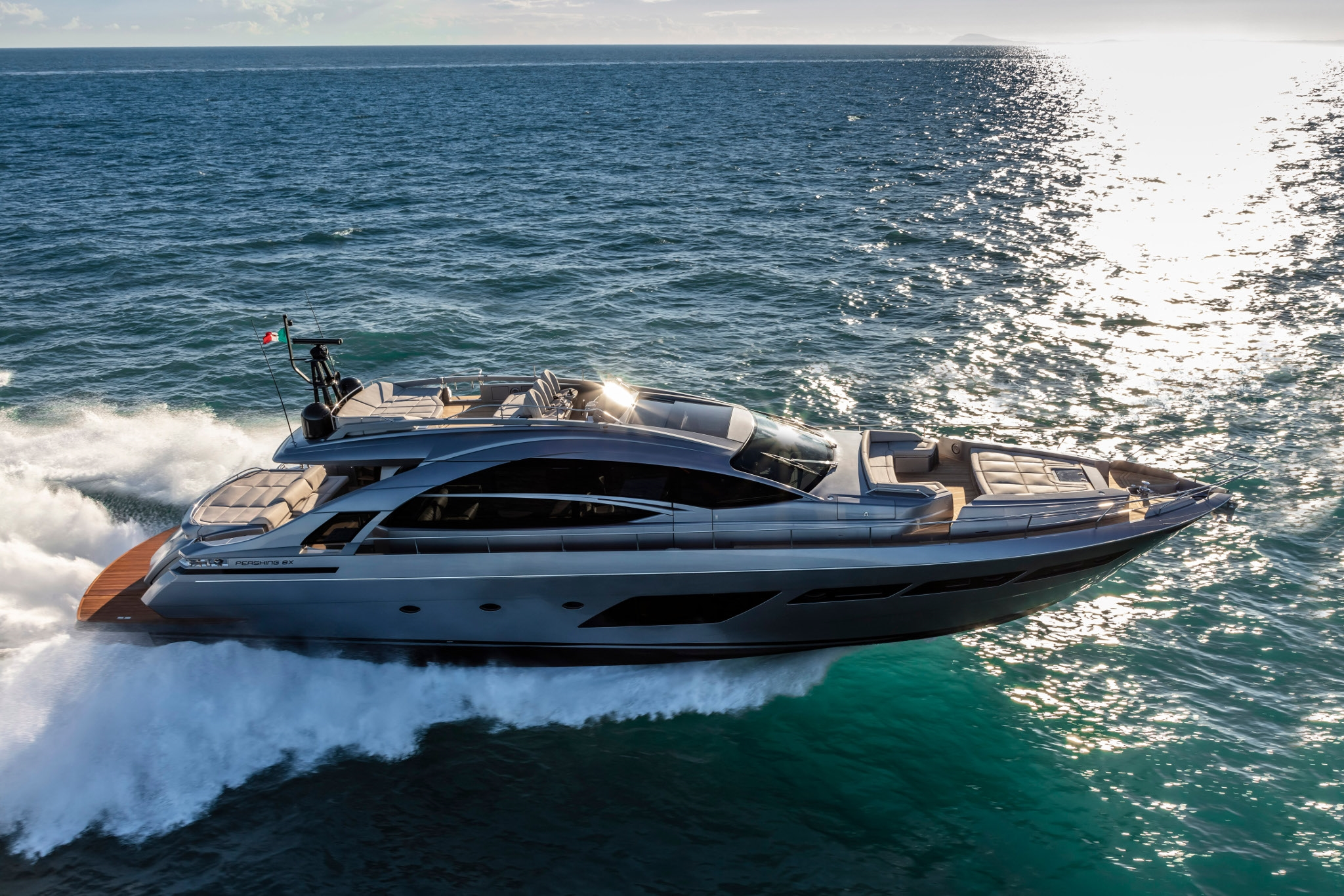 ferretti yachts ferretti group pershing yachts pershing 8X JMA Yachting Port Fréjus Var vente location neuf occasion places de p