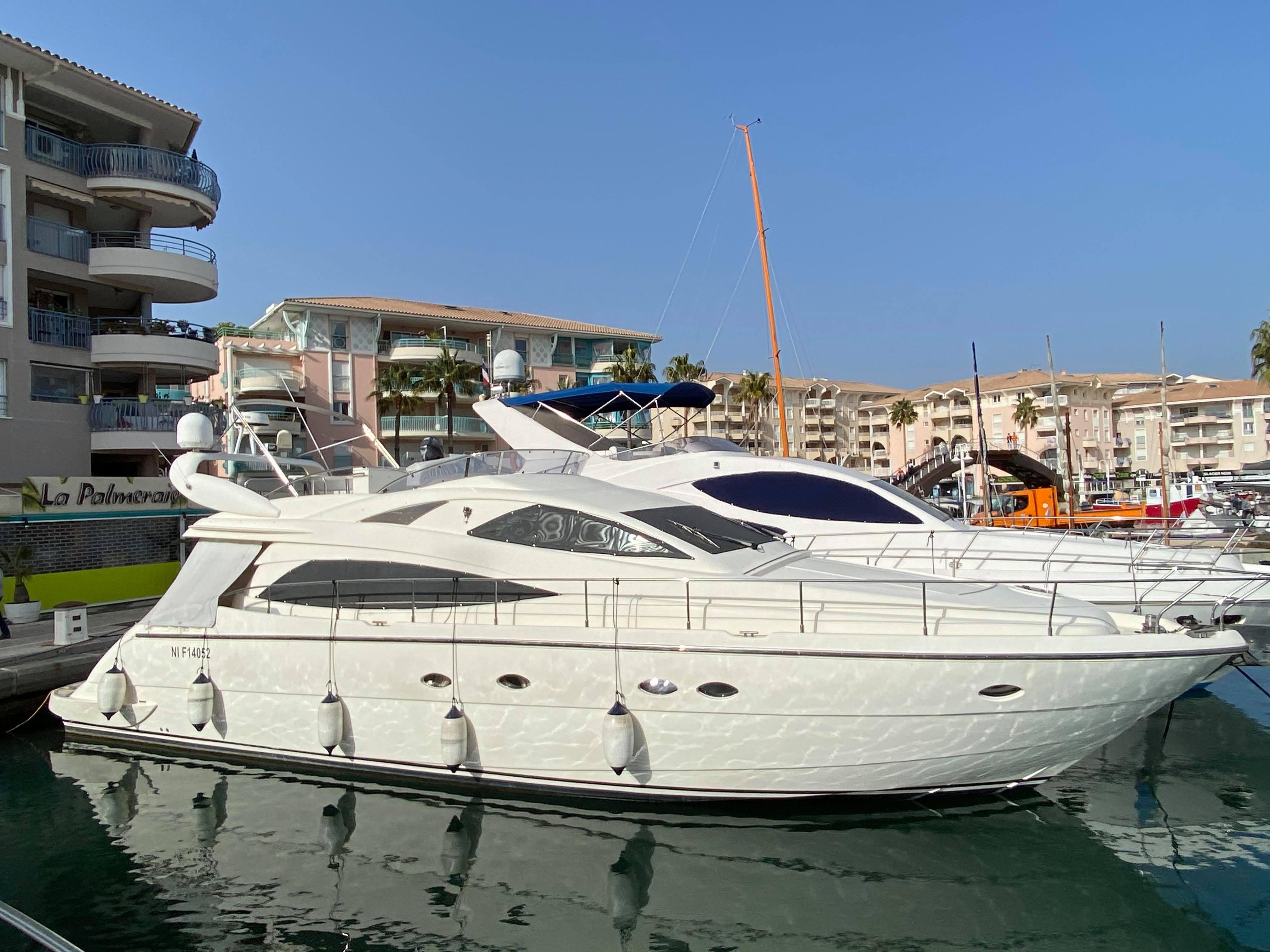 location bateau Aicon 56