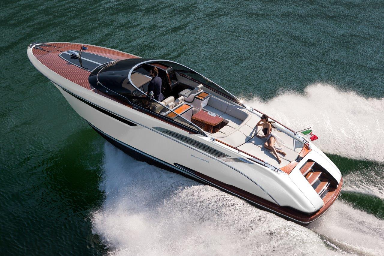 location bateau Riva Mare 38