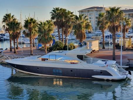 location bateau Azimut 68S